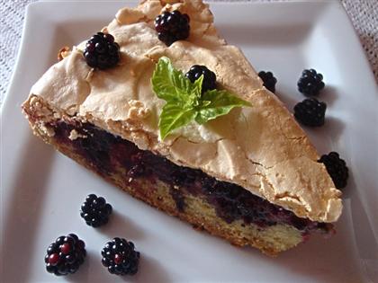 Ежевичный пирог с безе