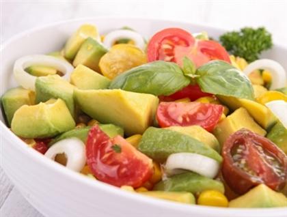 Салат с авокадо по-болгарски