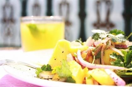 Салат из ананасов