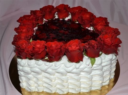 Ко Дню Валентина: торт с розами