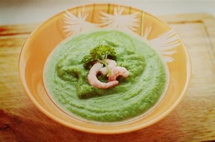 Крем-суп из брокколи со шпинатом и креветками