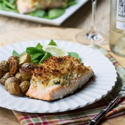 Запеченный лосось, фаршированный шпинатом
