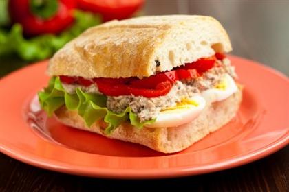 Сэндвич с тунцом и болгарским перцем