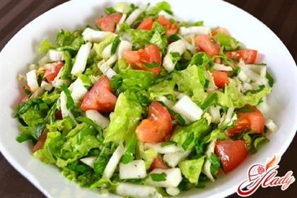 Салат из пекинской капусты с помидорами и болгарским перцем