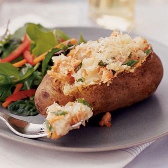 Картофель печеный с сыром