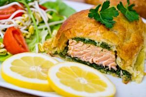 Новогодний рецепт:Запеченный лосось в тесте