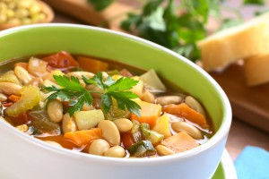 Фасолевый суп с картофелем и капустой