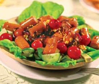 Салат с горячими сосисками