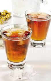 Лимонный напиток с мятой и ромом