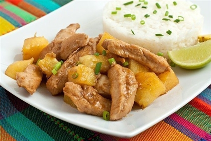 Курица с ананасами