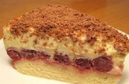 Торт с вишней и кремом из сыра маскарпон