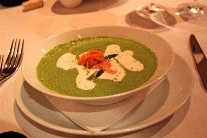 Огуречный суп с лососем