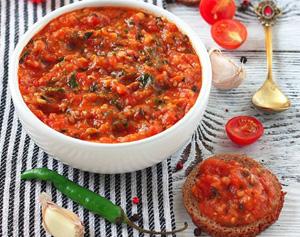 Томатно-чесночный соус (к рыбным блюдам)